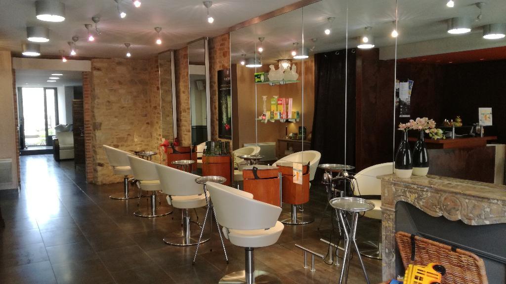 Salon de coiffure mixte à céder région de Bain de Bretagne 35
